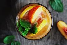 Healthy Happy Hour! / Is it 5:00 yet? Must-try cocktail recipes, party punches and other lovely libations.  / by Hello Glow
