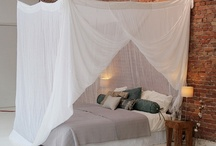 Rectangular Klamboe Mosquito Net / Rectangular Klamboe Mosquito Nets can be attached with strings to the ceiling These are also suitable for beds with a framework. Rectangular Nets from Klamboe Collection ® provide maximum space underneath the Mosquito Net.