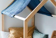 Hausbett | Floorbed nach Montessori | Bodenbett / Schöne Ideen für Hausbetten im Kinderzimmer als Floorbed/ Bodenbett nach Maria Montessori oder als gemütliche Kuschelecke.