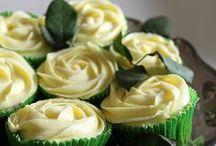 Cupped Cake / by Rebecca Boie
