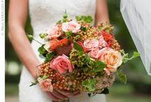 Wedding Floral Arrangements / by Allison Scace