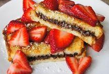 Eat sweet pray love and eat again / Sweet eating  / by Stephanie Fernandez Atanacio