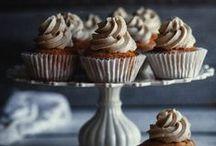 Torten und Törtchen // cupcakes and cakes / by Dreierlei Liebelei
