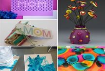 Mothers Day Gift Ideas / Spoil the moms in your life this year with these great Mother's Day gift ideas, Mother's Day crafts, and more!