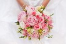 Wedding Flowers / Stunning bridal bouquets and floral arrangements