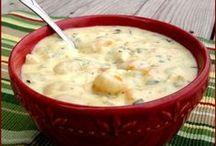 Foodie - Soups & Stews / by Lynne Pike