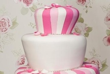 Wedding Cakes / Inspiration for wedding cakes. / by Wedding Paraphernalia