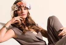 Carrera Jeans - Woman SS16 Gipsy Look / Multi etnico, di lussuriosa decadenza: lo stile Gipsy è un mix tra hippie e grunge. Lunghe gonne e abiti dalle stampe africane, fiori, pizzi e ricami abbinati a appariscenti gioielli.