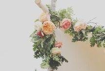 Mariage botanique • Botanical Wedding / Promenez-vous au travers notre tableau  d'inspiration et célébrer la beauté de la nature en offrant un décor naturel et romantique à votre mariage...