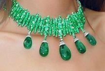 B Jewelry--EMERALD / by Faith Tatum