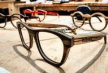 Handmade/Hecho a mano / Móler, ebanistas profesionales pioneros en gafas de madera.  Handmade In Spain. Cuidamos al máximo todos los detalles, hechas a mano con mucha dedicación, tesón y saber hacer.  Utilizamos maderas sostenibles, ébano y zebrano las más significativas dentro de nuestros modelos.