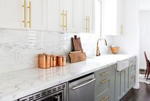 Kitchens - Transitional / Transitional Kitchens offer clean lines, neutral finishes, natural materials and a touch of embellishment.