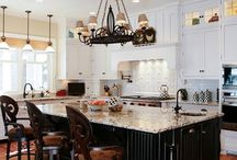 Kitchen - Farmhouse / The humble beauty of farmhouse kitchens can be a great inspiration for homes of any size or budget, so expect to see more and more of this style in 2018 and beyond.