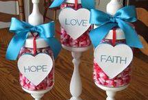 DIY Valentine Inspiration / Crafts, DIY, and Home Decor Ideas for Valentine's Day.  Valentine Inspiration Galore!