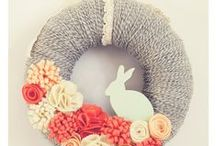 Ring around a wreath / Wall and door decorations ~ wreaths in all shapes, in bags, as swags...for all seasons