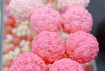 Food | Cupcakes and Cake Pops / Check out my blog... celebrateanddecorate.com