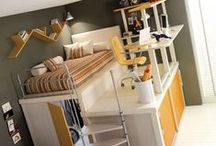 Small space living / Do you live in a small space?  Do you want to live in a small space or a tiny home?  Here is a roundup of all kinds of tips for living large in a small space.