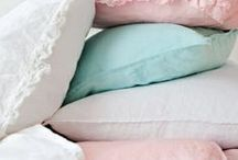 COJINES Y MANTAS - PILLOWS AND BLANKETS