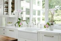 Lovely Kitchens / by Emily Hayes