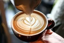 Latte Art / Beautiful latte art (hearts, cats, rosettas, and more) that will make you ooh and awe.