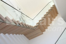 Glass balustrades / The word transparent is associated with concepts like open, clear, wide views, a sense of space and unlimited possibilities.   All these characteristics come together in EeStairs TransParancy balustrades which are made mostly of glass. These designs have received wide acclaim, and our customers appreciate their inconspicuous appearance. We have installed TransParancy staircases in domestic, retail and public buildings.
