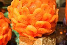Detailed Décor - Orange