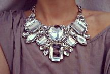 Statement neck pieces... / by Karie Huisman