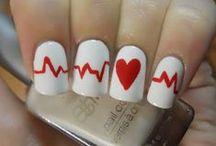 Fingernail Ideas / by Klaressa Hobbs