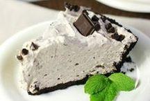 Desserts / by Klaressa Hobbs