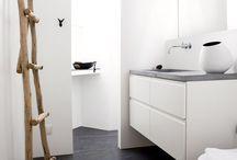 bathroom / splish splash