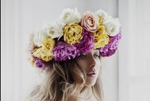 I Heart Flowers / I adore fresh cut flowers, floral arrangements, wedding bouquets,  elaborate flower crowns & simple daisy chains.
