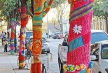 Streetart - gestrickt & gehäkelt / Guerilla Knitting, Urban Knitting, yarn bombing - viele Begriffe, aber alles in allem einfach coole Straßenkunst. Gehäkelt oder gestrickt, Hauptsache bunt verschönern so jeden Tag begeisterte Menschen die Städte und Dörfer.