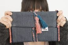 Handtaschen DIY´s / Eine Frau kann nie genug Handtaschen haben. Da ist es schon praktisch, wenn man sich die ein oder andere Tasche selber häkeln oder stricken kann. Hier gibt Anleitungen und Inspirationen für Do-It-Yourself Taschen in allen Farben & Formen.