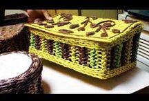 Cestería con periódicos / Trabajos de cestería hechos con periódicos / by Vamos a reciclar