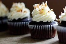 CUPCAKES!!!! / by Hannah Branch