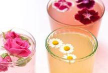 Floral Cocktails / Cocktails with flowers in them!