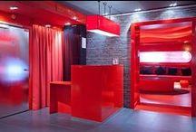 Hôtel Le Five. Paris. / Pourquoi choisir Le Five Hôtel?  Si vous êtes résolument rive gauche.  Si vous aimez les salons rouges, la fibre optique, les petits déjeuners avec des choses que l'on n'a pas l'habitude de manger ailleurs.  Si l'accueil, c'est très important pour vous.  Si, et surtout vous adorez le style seventies. / by Hôtels design à Paris (Mes Nuits Design)