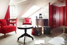 Hôtel La Maison Favart. / J'espère vous avoir donné envie de découvrir cet hôtel pas vraiment comme les autres. C'est un cocon très XVIII ème siècle, très romantique qui se situe en plein Paris, plus exactement dans une petite rue très calme, en face de l'Opéra Comique. / by Hôtels design à Paris (Mes Nuits Design)