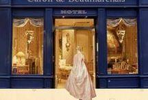 """Hôtel Caron de Beaumarchais. / Je voulais découvrir un hôtel qui ne ressemble à aucun autre. Durant ma période de réservation, je lisais la bio d'Elisabeth Vigée Lebrun, aussi lorsque j'ai découvert la home page du site de l'hôtel Caron de Beaumarchais, je me suis dit """" mais c'est tellement ça""""  L'hôtel Caron de Beaumarchais se situe au coeur du Marais, dans la petite rue Vieille du Temple, juste à côté d'une boutique vintage. / by Hôtels design à Paris (Mes Nuits Design)"""