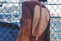 Nyitott hátú, stílusos ruhák