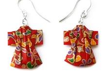 JDP prendas de vestir / JOYAS DE PAPEL / Pendientes y broches con forma de Kimonos y vestidos. Regalos bonitos y originales.
