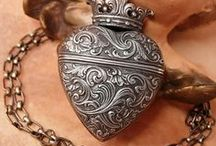 Vintage Lockets / memories from the past