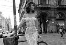 Moda / Fashion / A Joyas de Papel también le gusta la moda aunque no sea papel.