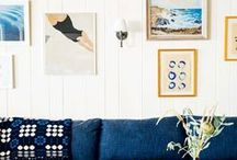 Gallery Wall Inspiration / Gallery walls. Black photo frames, white photo frames, brass photo frames, vintage art, pop art, prints, photo prints, sconces and more. Photo ledges, traditional gallery walls, hallway gallery walls, etc.