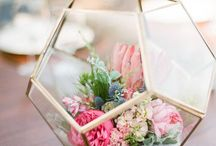 Table Talk / Amazing tablescape ideas - flowers, table runners, place settings, centerpieces, and menu ideas.