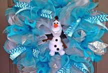 Wreaths and other Crafts / Handmade crafts and party ideas  / by Helen Surmont