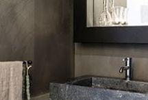 Carte Colori Beton Ciré / Carte Colori Beton Ciré is een zeer sterke watervaste 'cementstuc' en bijzonder geschikt voor badkamers, keukens, vloeren, meubels en objecten zoals openhaarden.
