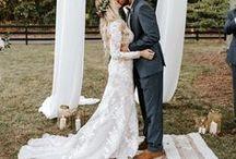 White Wedding Inspiration / white wedding ideas, white wedding flowers, white wedding cake,  white wedding bouquet