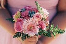 Bridesmaid Bouquets / Find the best bouquets for your best maids!  / by Junebug Weddings