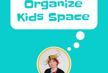 Organize Kids Space / Organizing kids rooms and play spaces, play room, reading nooks, organized toys, shelves, book case, bedroom. The better organized the easier to keep clean and tidy. Use kaizen hacks to transition easily